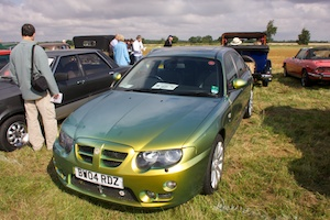 MG ZT with flip paint