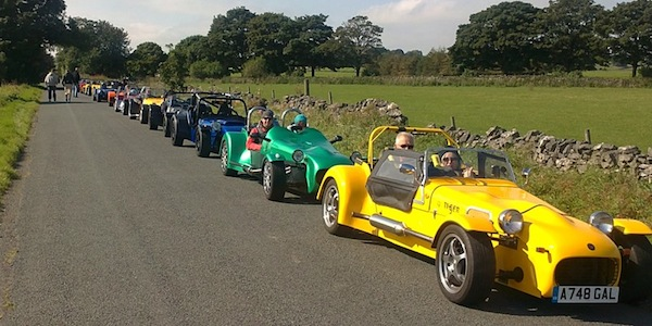 This pictures shows just the first 8 of the 19 cars on the run<br>Image by Clive (NWATOC)