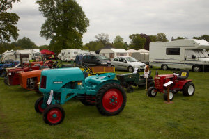 Small Tractor with diddy tractor