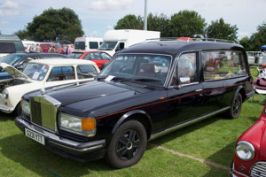 Rolls Royce Hearse (another with a skeleton)